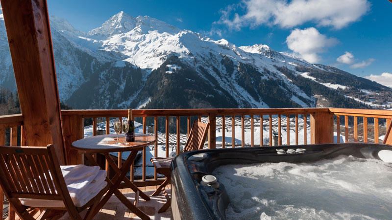 The South Face Hot Tub - Luxury Catered Ski Holidays