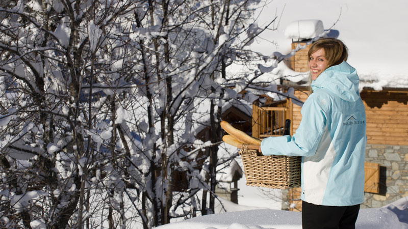 Premiere Neige Bread & Newspaper delivery service