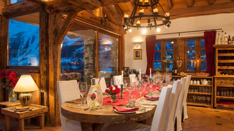 Chalet Merlo Dining Table in Sainte Foy